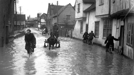 EADT FLASHBACK MAY 9 Pic REF: DK The winter of 1947 was severe. Sub zero temperatures, blizzar