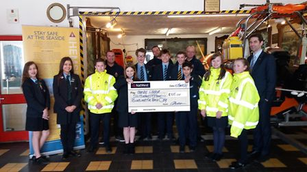 Flegg High School students have raised £600 for the lifeboat service in Hemsby.