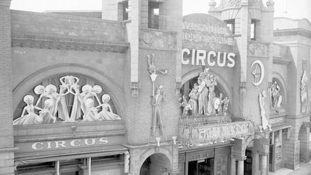 GT. YARMOUTH --ENTERTAINMENT Hippodrome Circus. Exterior shot Dated 1961 Plate P8211