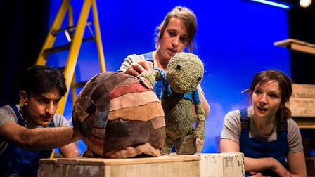 Gomito and Polka Theatre�s show Chester Tuffnut, told with puppets, original music and humour, is a