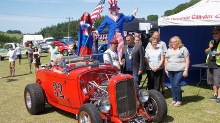 This Ford Roadster 1932 won a prize