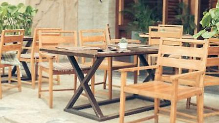 Free, short-term pavement cafe licences will allow businesses to provide outdoor seating for custome