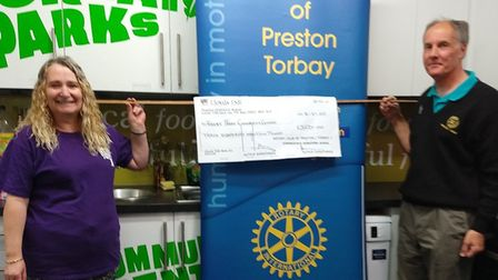 The Great Parks Community Centre recevies its donation from Preston Rotary Club