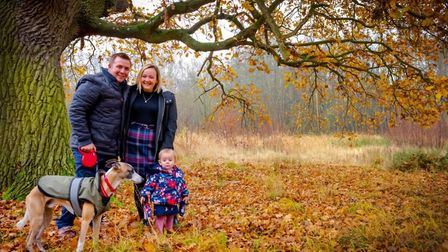 Neil Coomber-Webb is offering key worker famillies the chance to have a mini photoshoot after lockdo