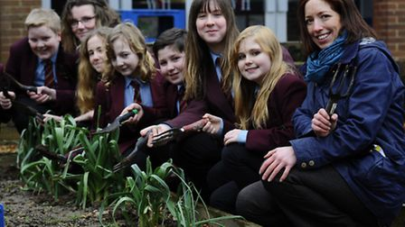 Green-fingered volunteers are being sought by the Royal Horticultural Society to take part in a new