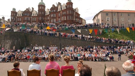 A Big crowd turns out to watch the crowning of the Cromer Carnival Queen Louise Hayward by Blue Pete