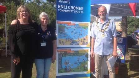 Cromer Town Council gives award for RNLI community safety. Julie Chance (Cromer town clerk), Bernice