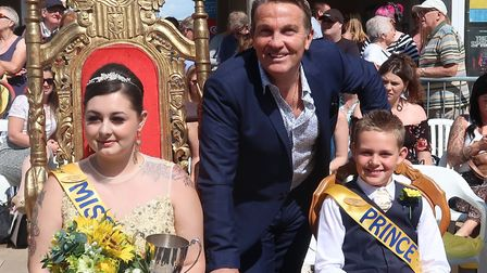 Bradley Walsh with at Cromer Pier with Jessica Foster, the 2019 Cromer Carnival queen, and other mem