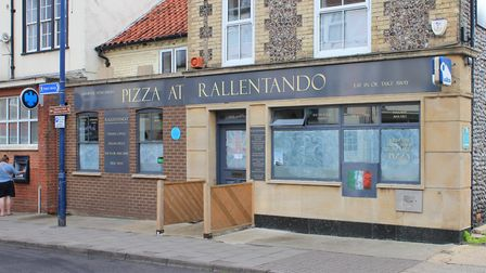 Sheringham cafe Rallentando, which has closed down, leaving the high street with two empty shops. Ph