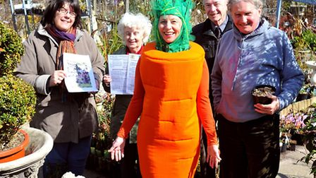 Sue Harvey dons her carrot costume to help promote the friends on Norwich in bloom 2013 horticultura