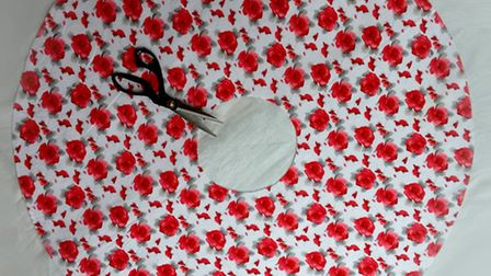 How to make a girl's circle skirt. By The Mercerie. Cutting out the fabric.