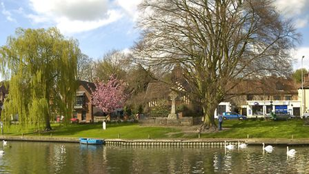 Panoramic view of Thorpe Green in Thorpe St Andrew, NorwichFour images stitched togetherApril 2005Pi