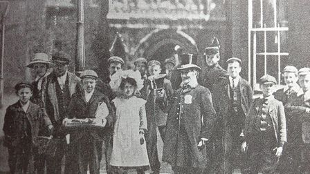 A celebrity in old Norwich. The Bellman William Childerhouse with his people