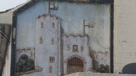 A mural by John Moray-Smith depicting a Norwich city gate outside the Berstrete Gates, Ber Street. P