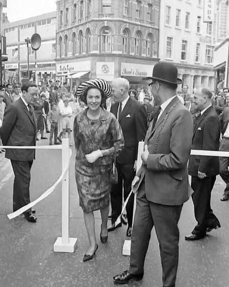 L0234 London Street pedestrianisation ceremony jul 1967 Archant pic