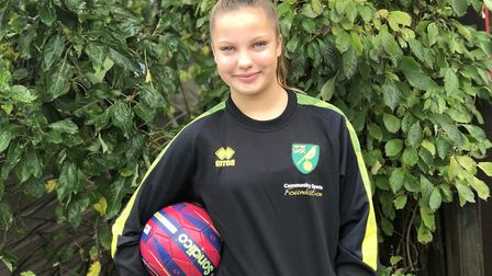 Tilly-Rose Dade is now able to play full football matches thanks to revolutionary insulin pump. Pict