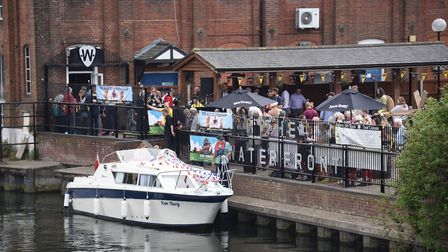 The flotilla arrives at the Waterfront carrying the Anglo-French ale from France for the City of Ale