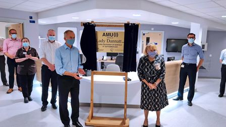 Lord-Lieutenant of Norfolk lady Dannatt MBE, unveiling a plaque in Level One of the NNUH new ward bl