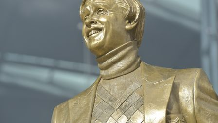 A statue of Alan Partridge is placed outside The Forum. The statue was created by sculptors Gavin Fu