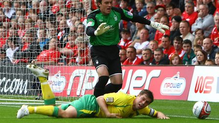 Lee Camp is set to be reunited with Norwich City's Grant Holt after joining the Canaries until the e