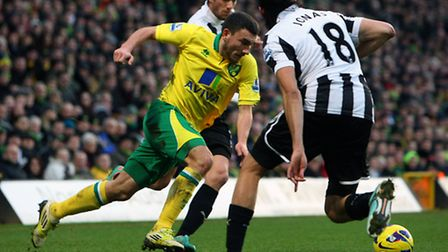 Robert Snodgrass came in for some special attention from Davide Santon and Jonas Gutierrez against N