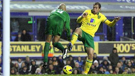 Grant Holt is foiled by Everton goalkeeper Tim Howard during the 1-1 draw between City and Everton a