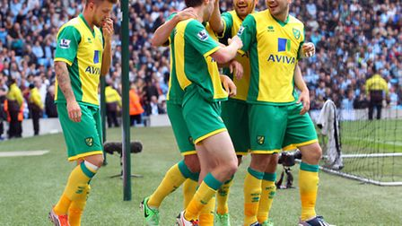 Norwich City players celebrate Jonny Howson's winning goal. Picture: Paul Chesterton / Focus Images