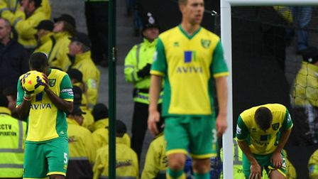 Norwich City were routed 7-0 at Manchester City in the Premier League to turn up the heat on Canarie