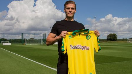 Norwich City have completed a deal for defender Sean Raggett. Picture: Norwich City official Twitter