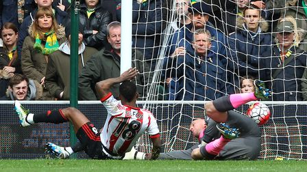 Jermain Defoe scores Sunderland's second goal during the last meeting between the sides at Carrow Ro