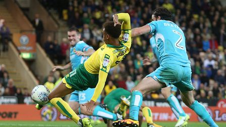 Josh Murphy of Norwich goes close during the Sky Bet Championship draw with Burton at Carrow Road, N