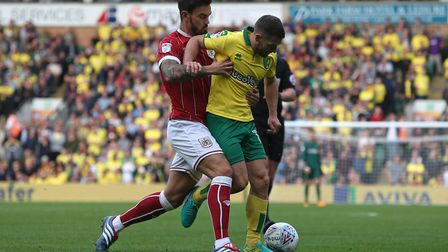 Marlon Pack keeps Wes Hoolahan quiet as Norwich City are left to settle for another goalless Carrow