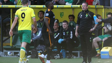 Picture by Paul Chesterton/Focus Images Ltd. 07904 64026724/03/12Grant Holt of Norwich is sent off