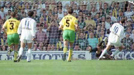 Leeds United tuck away a penalty on their way to beating Norwich City at Elland Road, and effectivel