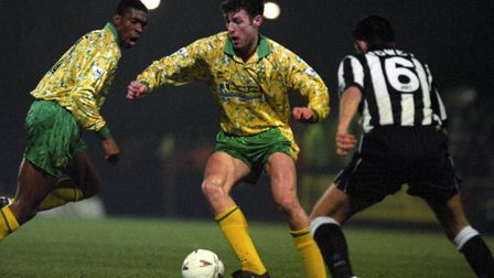 Chris Sutton was a key part of the Norwich City team in the early 90s, scoring 25 goals in the Premi