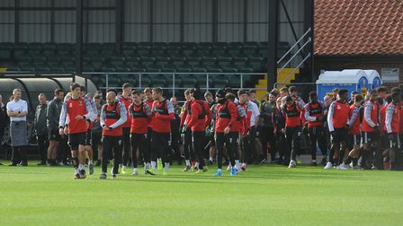 TT_Norwich City train ahead of Man Utd and observe a minute silence after the death of Duncan Forbes