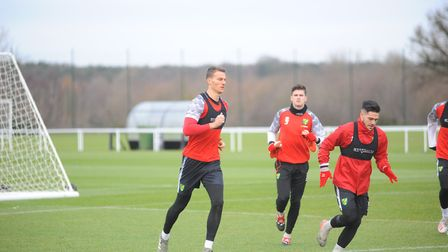 TT_Norwich City train ahead of Leicester City in the Premier League.