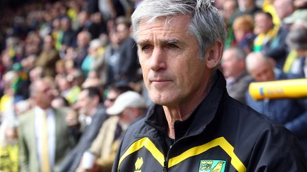 Former Norwich City caretaker manager Alan Irvine is set to re-join David Moyes at West Ham United.
