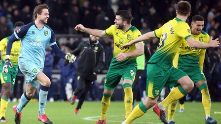 Norwich City set up an FA Cup quarter-final against Manchester United when they sealed a shoot-out v