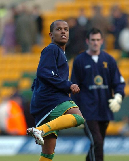 Rob Earnshaw warming up Picture: Archant