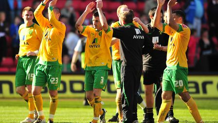 Norwich City players celebrate victory Picture: Alex Broadway/Focus Images Ltd