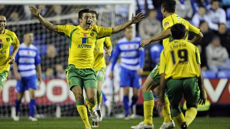Reading - Saturday November 13th, 2010: Russell Martin of Norwich celebrates scoring his sides openi