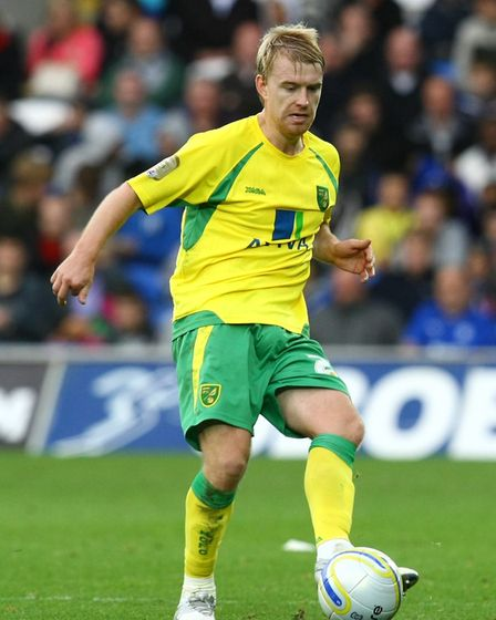 Cardiff - Saturday October 30th, 2010: Stephen Smith of Norwich in action during the Npower Champion