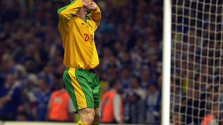 Iwan Roberts gestures to the Birmingham fans after scoring the opening penalty in the shoot-out Pict