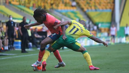 Onel Hernandez tangles with Alex Iwobi Picture: Paul Chesterton/Focus Images Ltd