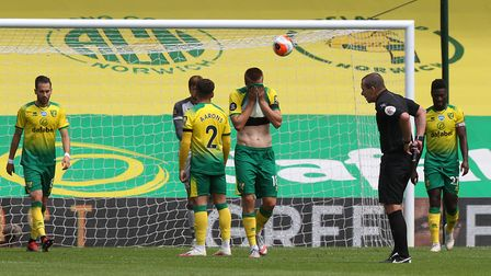 City's players look dejected after conceding the second goal. Picture: Paul Chesterton/Focus Images