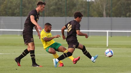 Onel Hernandez scored a fine fifth for the Canaries