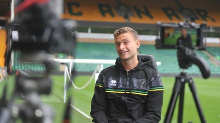TT_Norwich City signing Ben Gibson speaks to Connor Southwell at Carrow Road 08/09/2020