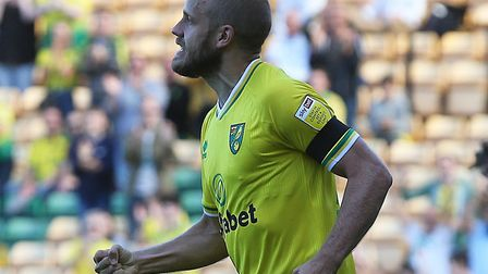 Teemu Pukki scored his first league goal of the season in Norwich City's 2-2 Championship draw again