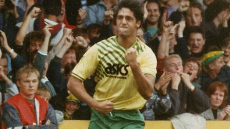 Robert Rosario made quite the impact on Warne. Picture: Archant